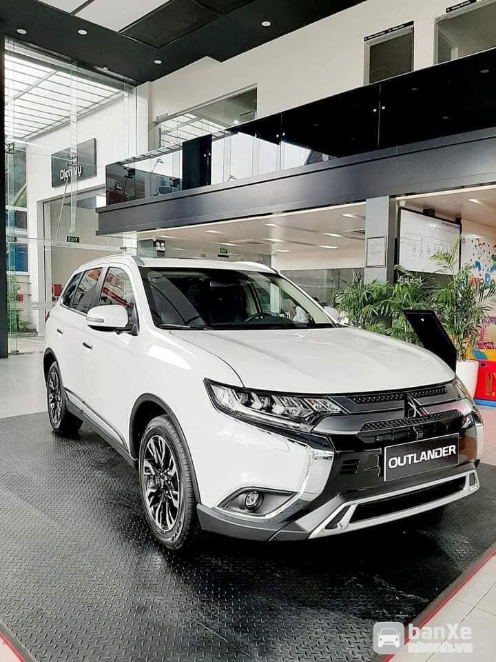 Bán ô tô Mitsubishi Outlander 2.0 CVT Prenium 2020 bán trả góp