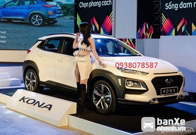 Hyundai  Kona giảm tm 30tr tặng gói PK 20tr  có xe giao ngay