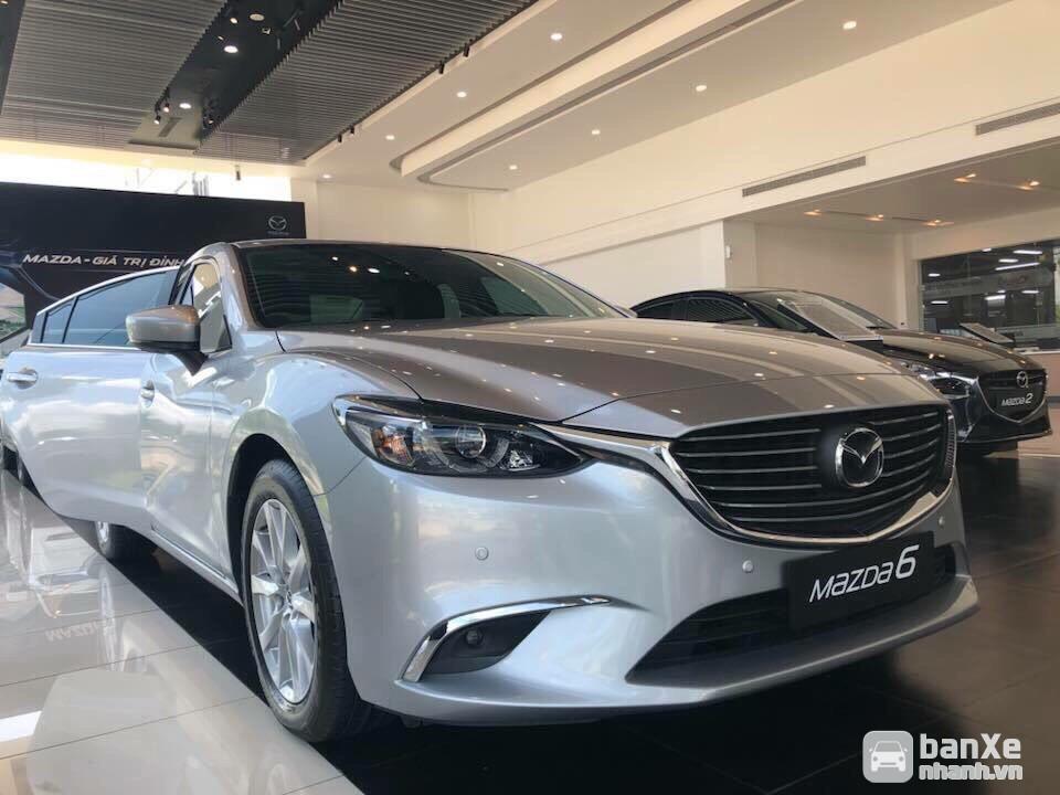 Mazda 6 Lux 2.0L - Giảm mạnh giá bán, Ưu đãi quà tặng, Hỗ trợ Bank 85%