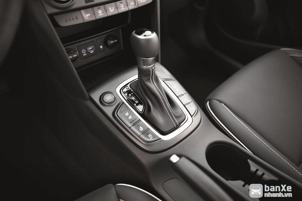 Hyundai Kona 2019 tặng ngay Bệ bước chân, camera hành trình trước sau