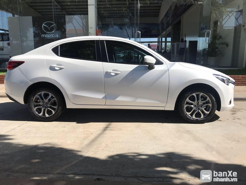 Mazda 2 nhập Thái - Trả trước 168Tr nhận xe. Liên hệ Hiếu 0909324410