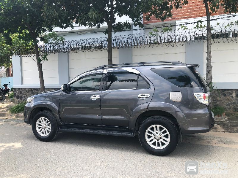 Bán Xe Toyota Fortuner 2.7V 4x2 AT 2013