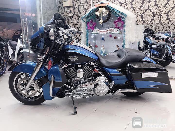 Bán Harley Davidson Street Glide CVO xanh đen, đăng ký 2015 odo mới